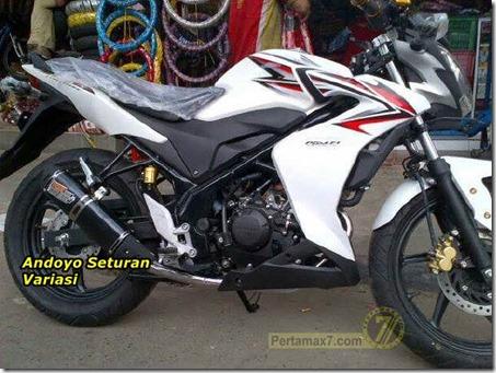 Half fairing Honda CB150R 3