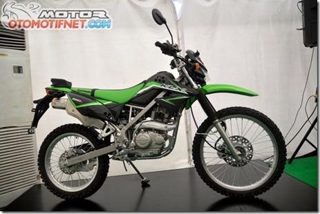 Kawasaki-KLX150-baru-2