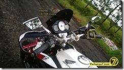 Modifikasi Honda CB150R ala supermoto 1