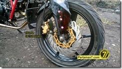 Modifikasi Honda CB150R ala supermoto  8