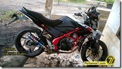 Modifikasi Honda CB150R ala supermoto c