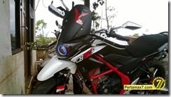 Modifikasi Honda CB150R ala supermoto