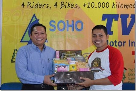 1.1a_SOHO Global Health Dukung Round The Borneo_sebar virus edukasi kesehatan (Small)