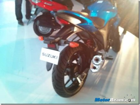 500x375x2014-Suzuki-Gixxer-Rear.jpg.pagespeed.ic.l6NhauMRth