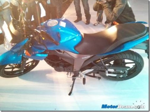 500x375x2014-Suzuki-Gixxer-Unveil.jpg.pagespeed.ic.luMrSyq6z6