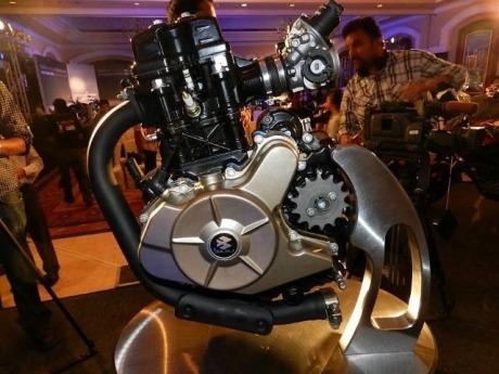 bajaj-pulsar-200ns-engine-02-Small.jpg