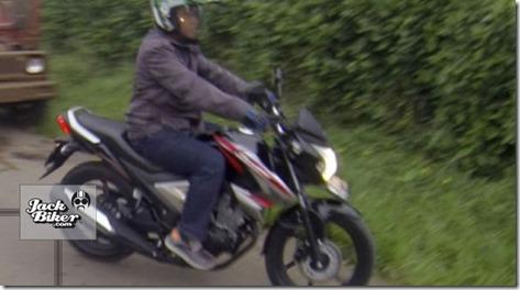Honda new megapro injeksi 2014 street shoot