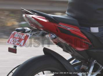 New-Bajaj-Pulsar-200-NS-with-Fuel-Injection-Spy-Shots-rush-lane-15