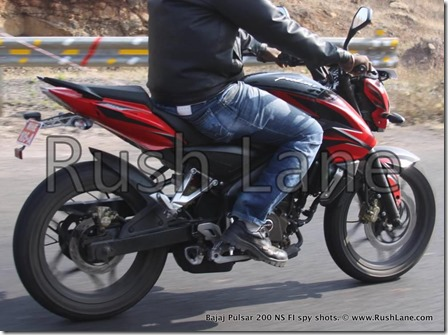 New-Bajaj-Pulsar-200-NS-with-Fuel-Injection-Spy-Shots-rush-lane-4
