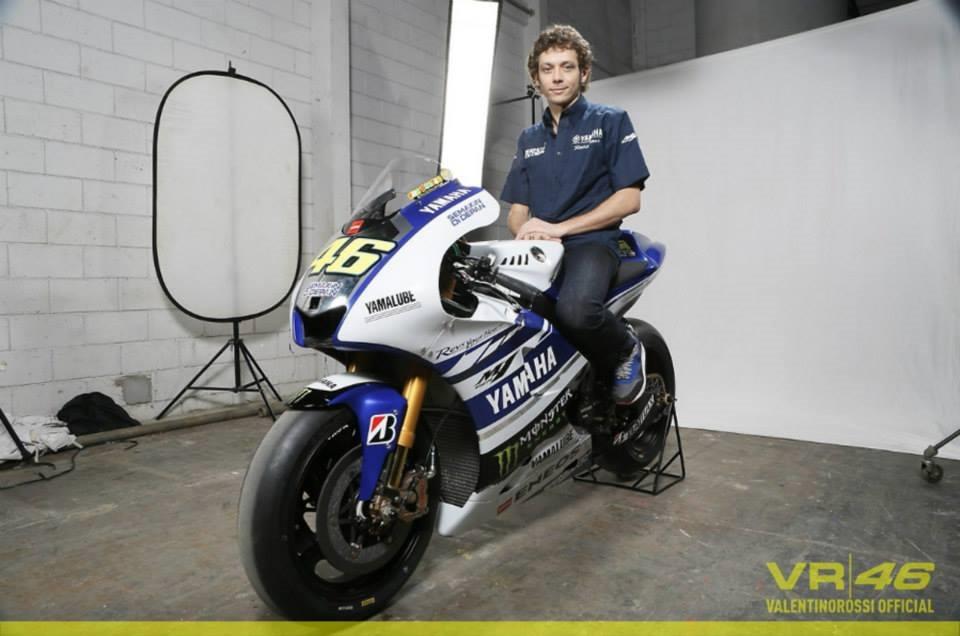 Yamaha-YZF-M1-2014-Valentino-Rossi-46-c.jpg