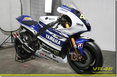 Yamaha YZF-M1 2014 Valentino Rossi 46 d