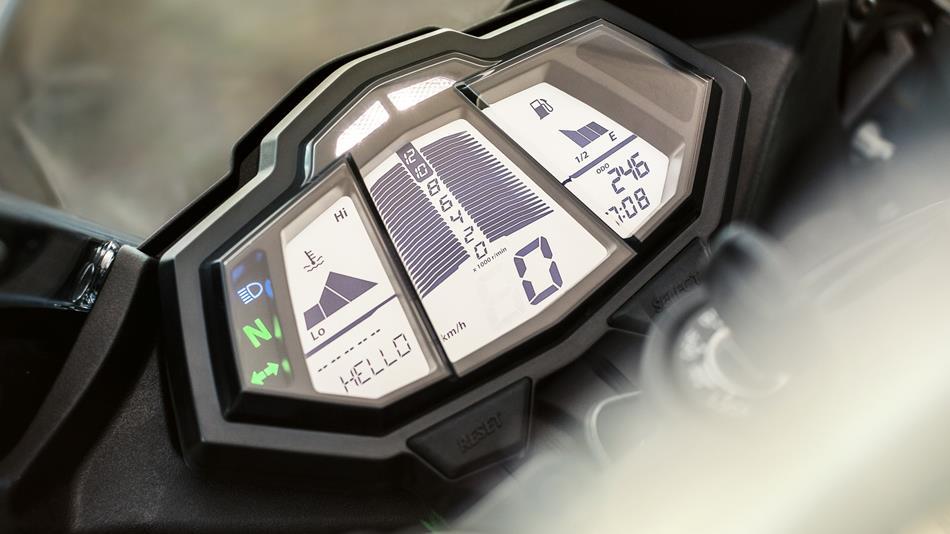 2014-Yamaha-YZF-R125-EU-Race-Blu-Detail-003