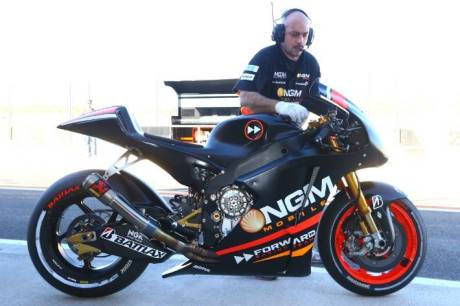 aleix espargaro ngm mobile foward racing team