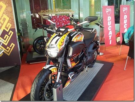 Ducati motif Batik Indonesia 4