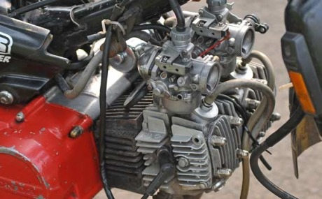 honda-grand-2-cylinder-a.jpg