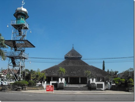 masjid-agung-demak-indonesia-01