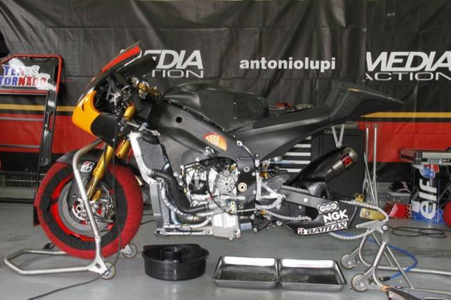 Yamaha-FTR-M1-Forward-Racing