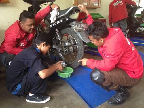 Ekspedisi Nusantara Honda Tingkatkan Keterampilan Teknik Pelajar SMK 003