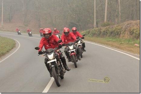 Honda CB150R streetfire ekspedisi nusantara 2014 tembus 148 km per jam002