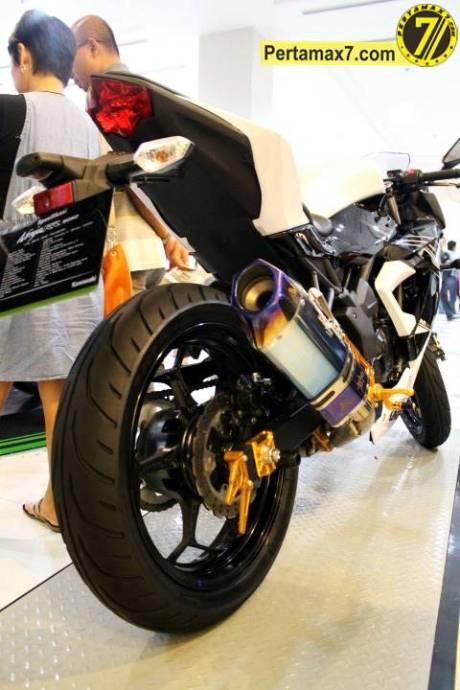 Launching Kawasaki Ninja 250 RR mono Yogyakarta 105