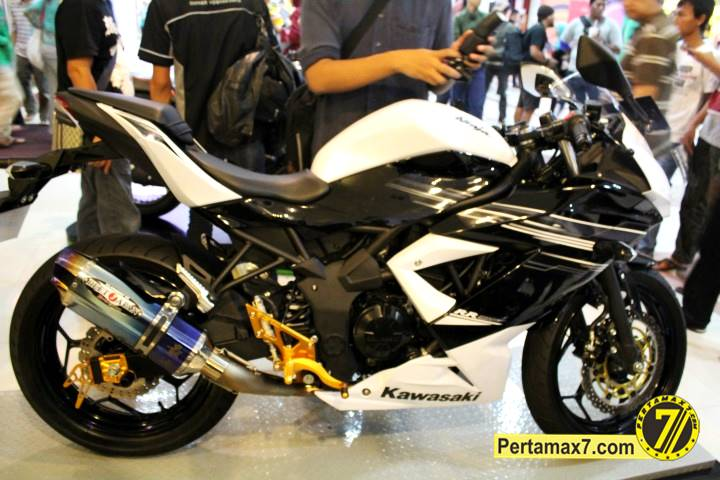Launching Kawasaki Ninja 250 RR mono Yogyakarta 74