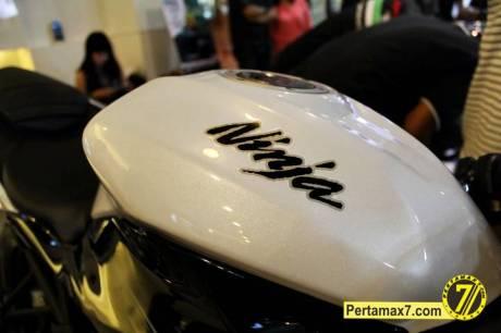 Launching Kawasaki Ninja 250 RR mono Yogyakarta 88