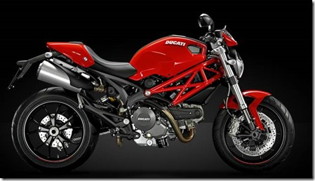 Model-Page_2014_M796_Red_01_960x420