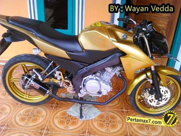 Modifikasi Yamaha New Vixion titanium Gold jadi Full Gold 001