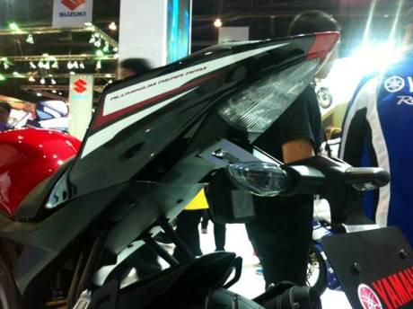 Yamaha YZF-R15 V2.0 Thailand 10
