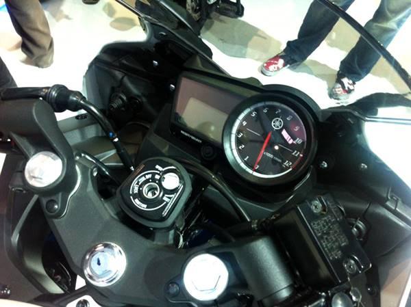 Yamaha YZF-R15 V2.0 Thailand 5