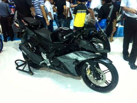 Yamaha YZF-R15 V2.0 Thailand 8