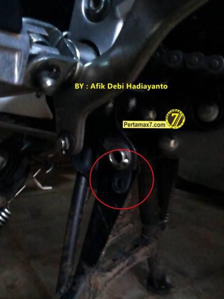 gembok standar tengah Yamaha New Vixion Lightning 1