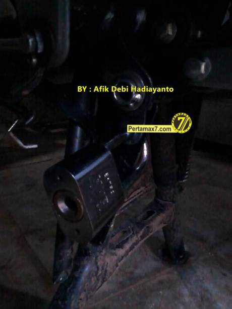 gembok standar tengah Yamaha New Vixion Lightning 3