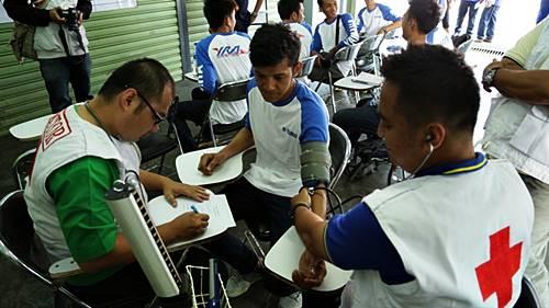 Tes kesehatan dijalani oleh pembalap Yamaha Riding Academy (tampak di foto pembalap Rey Ratukore)