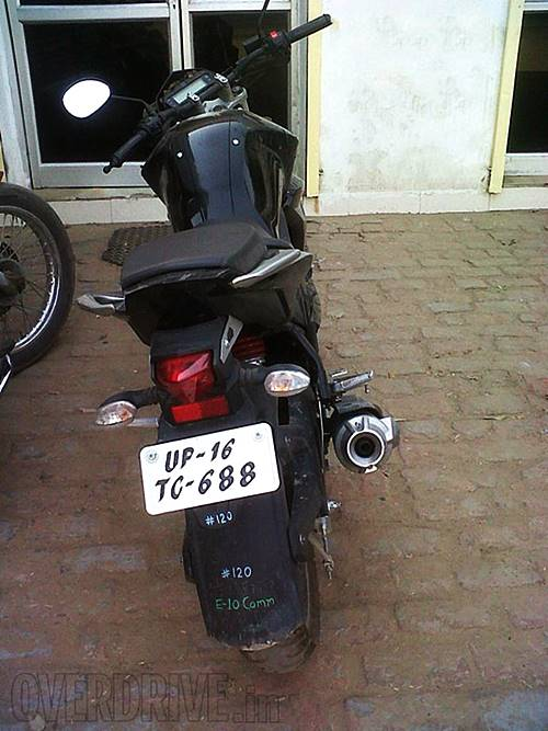Yamaha-FZ-Facelift-Spy-Shot-Rear1