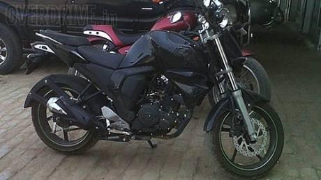 Yamaha-FZ-Facelift-Spy-Shot-Side
