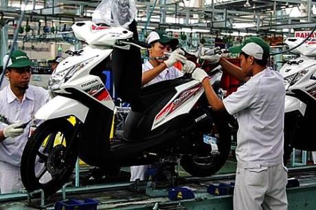 BeAT FI di pabrik perakitan AHM, Cibitung. AHM merilis Honda BeAT FI