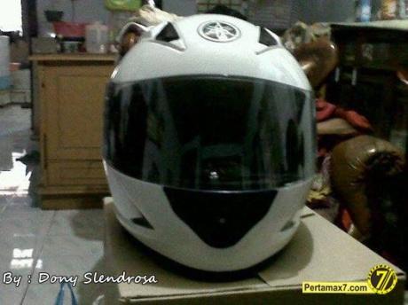 Helm Standar Yamaha R15 1