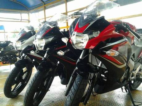 Honda CBR150R 2014 New Colour 3