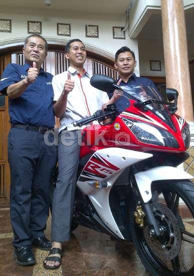 pemilik pertama yamaha YZF-R15 di Indonesia