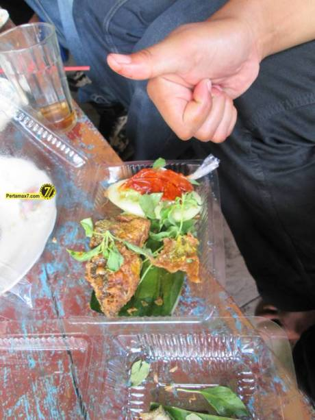 Rumah Makan Ikan laut Hj. Tipa Gresik Jawa Timur 2