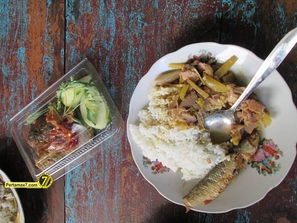 Rumah Makan Ikan laut Hj. Tipa Gresik Jawa Timur 3