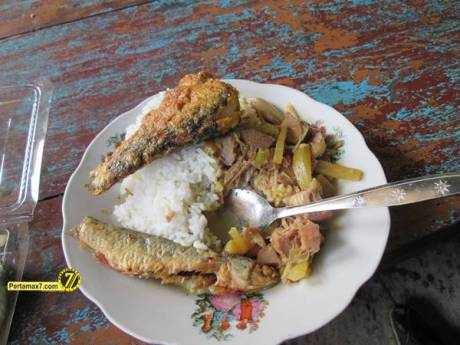 Rumah Makan Ikan laut Hj. Tipa Gresik Jawa Timur 5