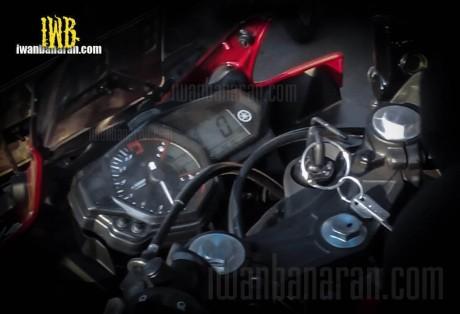 speedometer yamaha R25