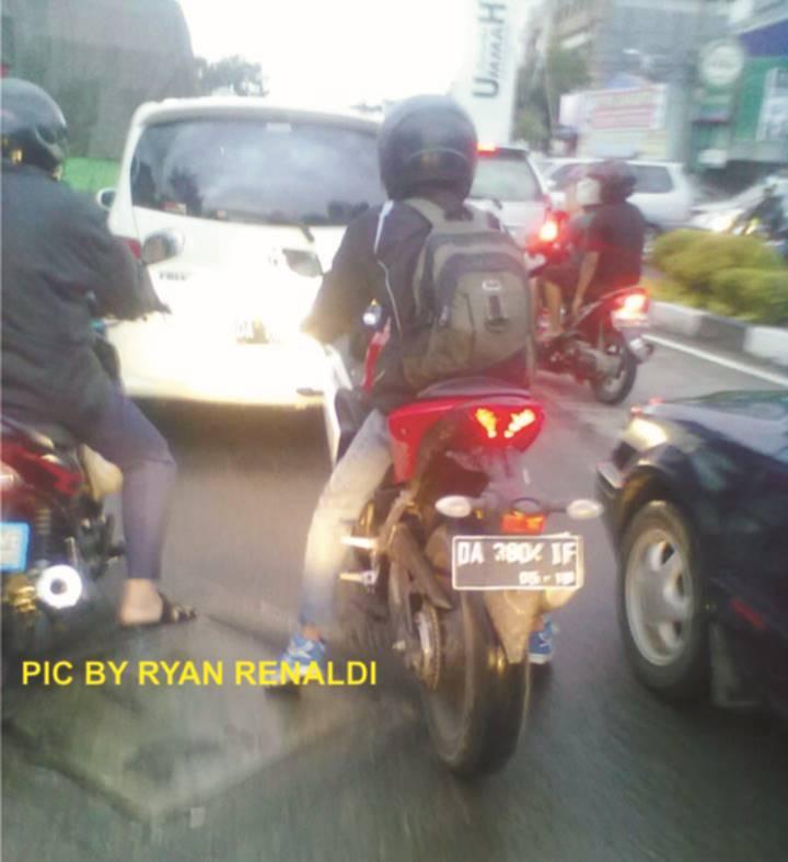 spied Yamaha YZf-R25 di Banjarmasin kaimantan Selatan