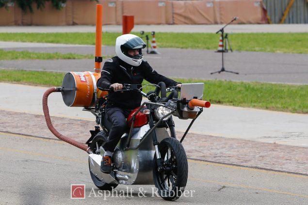 2015-Ducati-Scrambler-testing-spy-photos-02