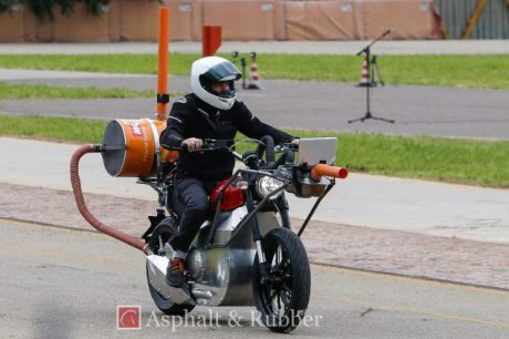 2015-Ducati-Scrambler-testing-spy-photos-02