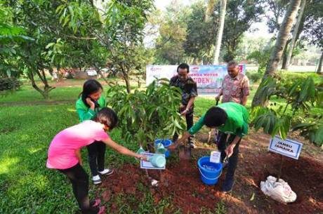 AHM Siapkan Generasi Peduli melalui AHMBS 2014 3