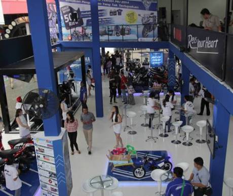 Booth Yamaha Revs Your Heart di Jakarta Fair 2014 (3)