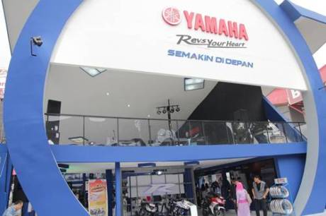 Booth Yamaha Revs Your Heart di Jakarta Fair 2014